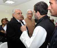Congress vice president Rahul Gandhi with Bhupinder Singh Hooda and other party leaders during a press conference at AICC headquarters in New Delhi, India on 28th December 2016. (Photo: Tribhuvan Tiwari/Outlook).